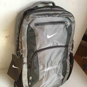 NWT Nike Elite Backpack Grey SmartWater Men Women